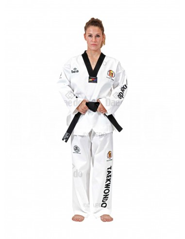 Imagén: F.E.TKD Taekwondo Dobok